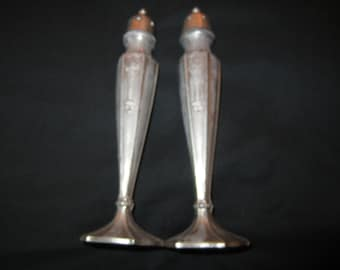 QUAKER SHAKER Salt n Pepper Set 7 inches high with Floral Basket Design on Two Sides