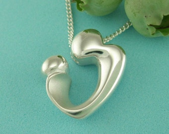 Silver Mother Child Necklace, Mom Present, 'Heart Embrace' Pendant with Chain, Motherhood Gifts, from our Mère et Enfant Collection
