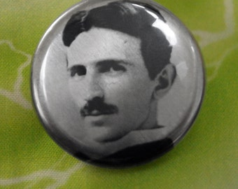 NIKOLA TESLA metallic button, science pin, gift for nerd, gift for scientist, Tesla pin, tesla button, nikola tesla, historical pins