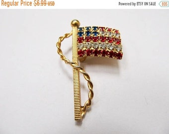 On Sale Vintage Prong Set Rhinestone American Flag Pin Item K # 666