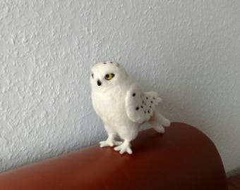 beatiful snow owl, needle felted, natural material, whool, soft, white, felt, bird, wildlife, forest, gift, decoration, home, realistic