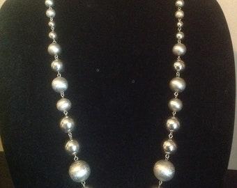 Vintage Silver Metal Bead Neclace