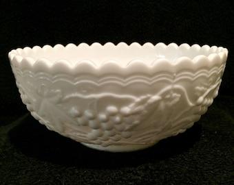 Large Vintage Imperial Glass Milk Glass Bowl