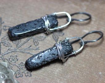 Lave noire Pierre boucles d'oreilles Argent Boucles d'oreilles de brute noir bijou rustique lave bâton