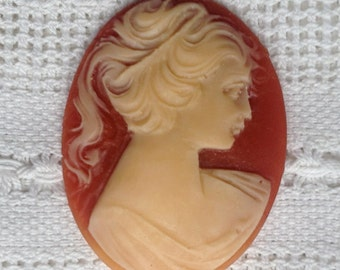 Cream and Salmon Vintage Lucite Cameo 30 x 40 mm
