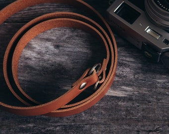 Leather Neck Strap for analog and mirrorless photo cameras, vintage-style. Made in England.