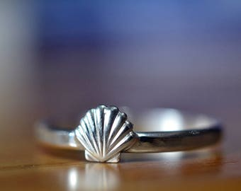 Silver Seashell Ring, Handcrafted Sterling Silver Ring, Dainty Shell Ring, Ocean Seaside Jewelry, Personalised Gift, Custom Seashell Jewelry