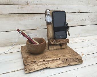 Iphone docking valet stand