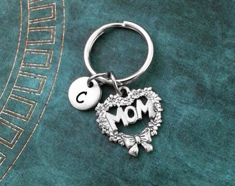 Mom Keychain, Personalized Keyring, Mom Heart Keychain, Mother's Day Gift, Gift for Mom, Mom Charm Keychain Mom Wreath Keychain Heart Wreath