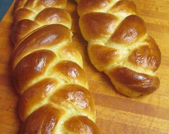 CHALLAH BREAD/  A Sweet Tasting Traditional Bread