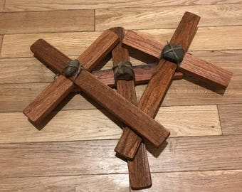 Three Crosses Rocks Centered Twisted Twine Rope Hanger Old Oak Wood Easter Calvary Gift lcww