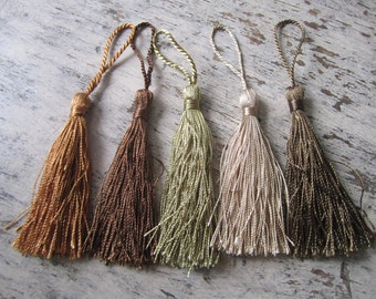 Autumn palette - 5 silky tassels in earthy shades, autumnal colours, fall colors, autumn tassels for malas, jewelry, accessories, set of 5
