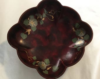 Vintage Maruni Metal Base Laquer Ware Occupied Japan Hand Painted Floral Pattern Bowl