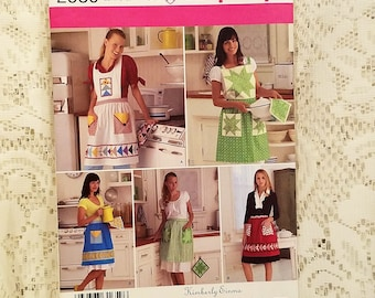 Retro Apron Sewing Pattern, Quilted Aprons, Simplicity 2980, UNCUT, Gift For Mom, 4 Styles