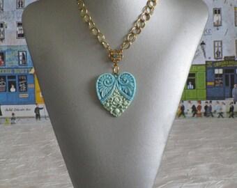 """Charmant collier avec pendentif en céramique """"Un très joli coeur en céramique"""""""