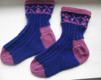 Sale 50% 20.00USD- 10.00USD Hand knit children's wool socks.