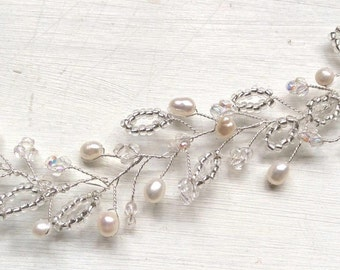 Bridal headpiece/ Bridal hair accessories/ wedding hair accessories/ Handmade crystal pearl silver hairvine