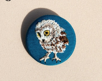Small embroidered OWL brooch