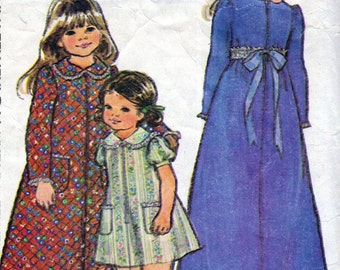 1970s McCall's 3805 sewing pattern // girls' long or short front-zippered robe