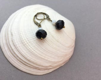 Pearl Earrings bronze / / black / / white