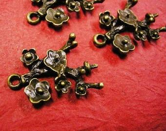 4pc antique bronze flower branch pendant-4370