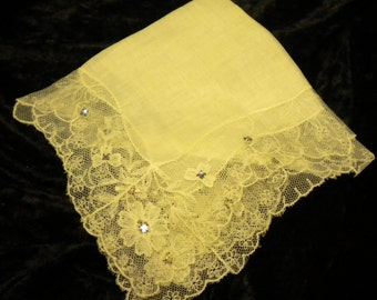 White Like New vintage lace Hanky with Crystal accents (FFs1116)