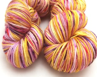 Golden Berry, Variegated with speckles, hand dyed yarn, Merino Wool, yarn, 100 grams, Fingering Weight, Superwash