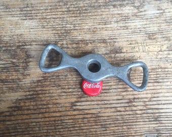 Vintage Opener, Vintage Closing Device, Metal Opener, Metal Closing Device, Bottle Opener, Bottle Closing Device.