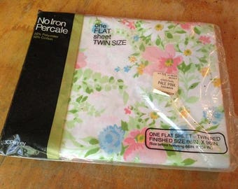 NOS/NIP JcPenney Twin Flat Sheet Floral / Flowers / Wildflowers