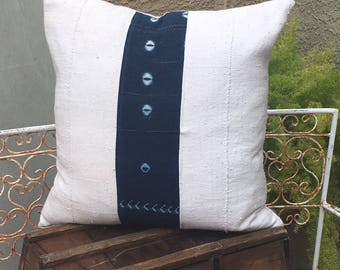 Authentic  African Mudcloth Pillow Cover in White and Indigo Blue    22x22     Coatal / Tribal / Modern / Nautical / Farmhouse Design
