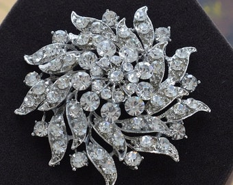 On sale Rhinestone Floral Brooch, Large, Silver tone, Vintage (D9)