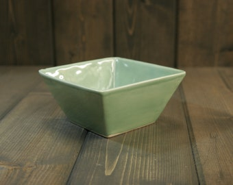 Handmade Flower Pot, Light Green with White highlights.