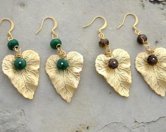 Earrings with leaves