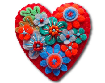 Japanese Art Inspired Heart Shape Felt Brooch - Red