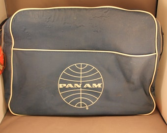 1970s True Vintage PAN AM Flight Travel Bag Blue and White Eyecatcher 1960s 60s 70s Mod Pan American Airways Messenger Airline Aviation
