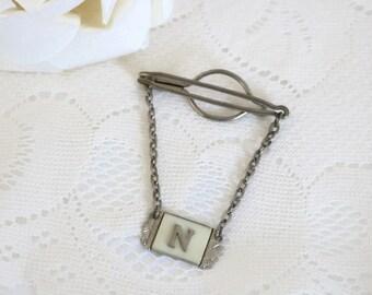 Barre de liaison hommes Vintage art nouveau avec N initial et crème celluloid nacré insert et métal argenté.