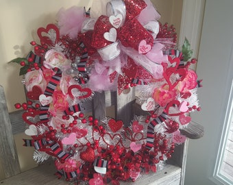 Valentine wreath to fall in love with for your door or your wall. Ready made wreath. FREE SHIPPING!