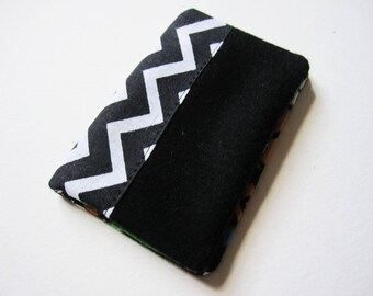 Mini card holder made of wool and black cotton