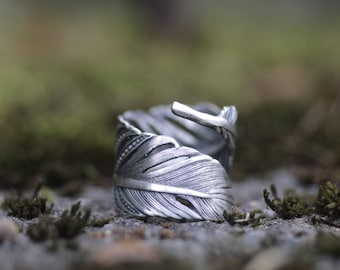 Feather ring. Sterling silver feather wrap ring. Silver feather, feather band, Boho ring, bohemian soul, adjustable, statement ring.