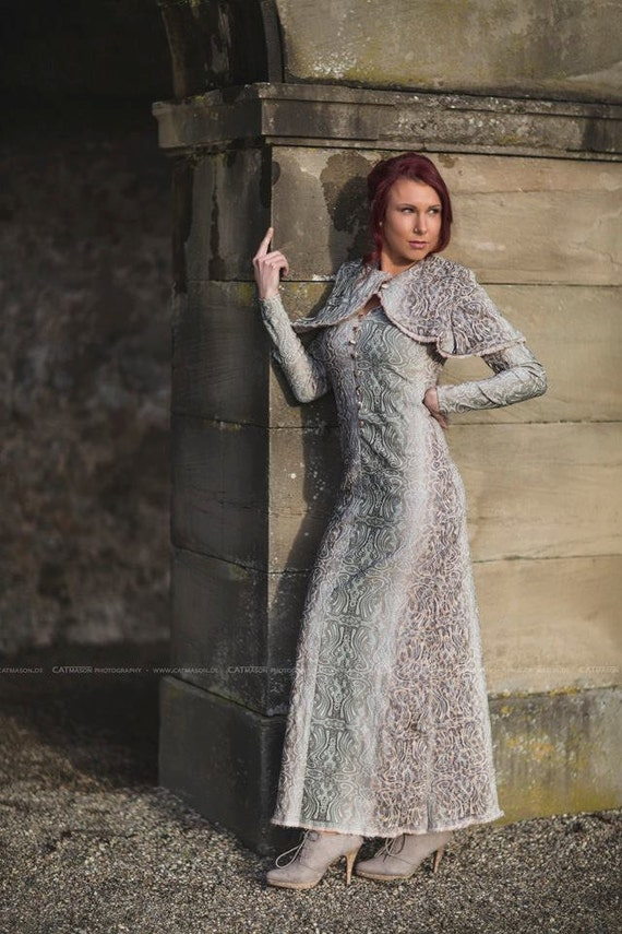 Kleid Lang Viktorianisch historisch creme grün barock Muster Steampunk Queen
