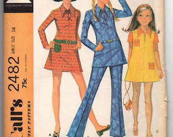 2482 McCalls Sewing Pattern Girls Pullover Dress Top Pants Size 14 32B Vintage 1970s