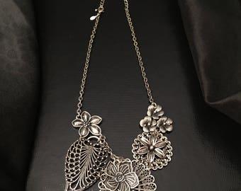Beautiful Multi-Flower Silver-Tone Bib Necklace