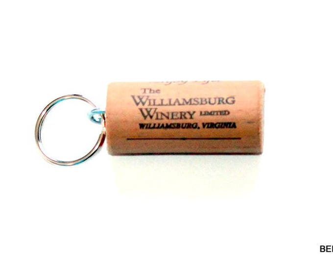 WINE CORK KEYCHAIN, Williamsburg Winery, Floating, Multiple Key, Bell Art Designs, KC0153