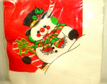 Vintage Snowman Napkins, Christmas Red, Holiday Retro Party Goods, Dixie Beverage, Unopened Set of 20  (941-14)
