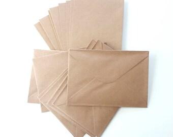 Set kraft 16 pieces: 8 folded cards, A6, C6, rectangular format and 8 envelopes