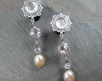 Wedding Plugs - 10g - 8g - 6g - 4g - 2g - 0g - Bridal Gauges - Rhinestone Plugs - Dangle Plug Earrings - Cream Pearl - Vintage Style Wedding