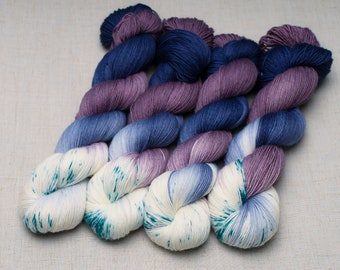 Hand dyed yarn '3 in 10'