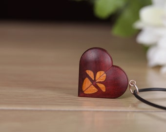 Heart locket, Photo Locket Necklace, Wood Locket, Heart Pendant Necklace, Anniversary Gift, Birthday Gift, Gift for Her Girlfriend.