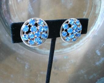 Vintage Round Blue Prong Set Rhinestone Screw Back Earrings Silver Tone