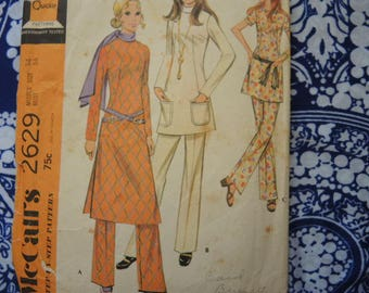 vintage 1970s McCalls sewing pattern 2629 misses top in three versions and pants size 14